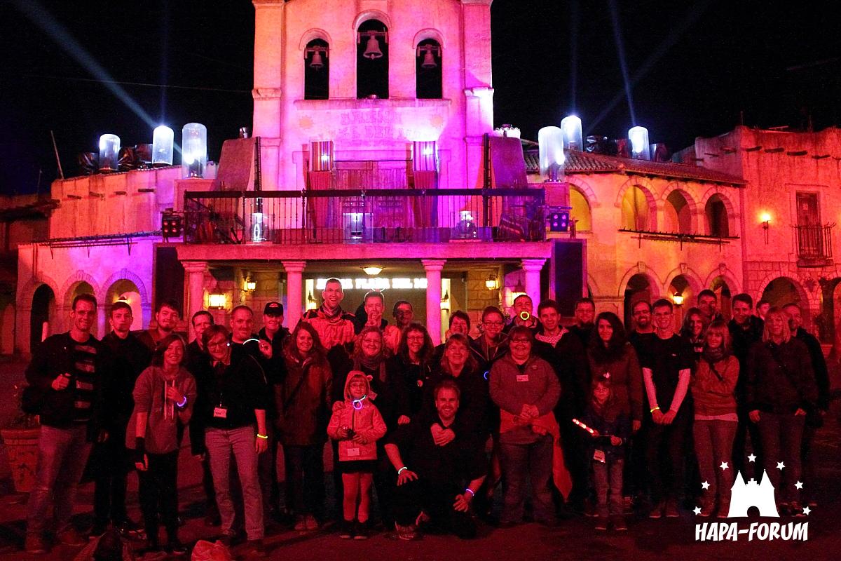 Gruppenfoto auf der Plaza del Mar